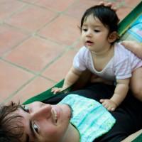 L'Ona i el Xavi a l'hamaca