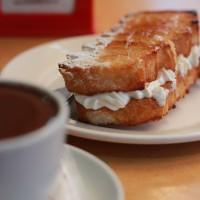 Cruni i xocolata desfeta a la pastisseria Bastida... nyam!