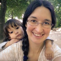 Ona i mama al parc